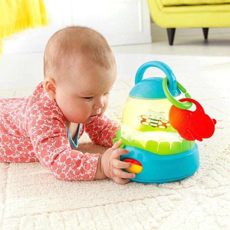פנס מאיר ומנגן לתינוק - פישר פרייס