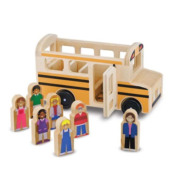 מליסה ודאג - אוטובוס בית ספר מעץ