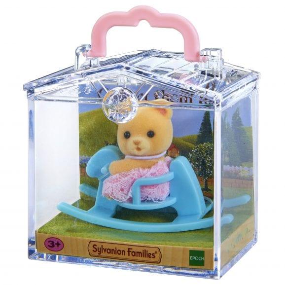 משפ' סילבניאן - תינוק בתיק נשיאה דוב